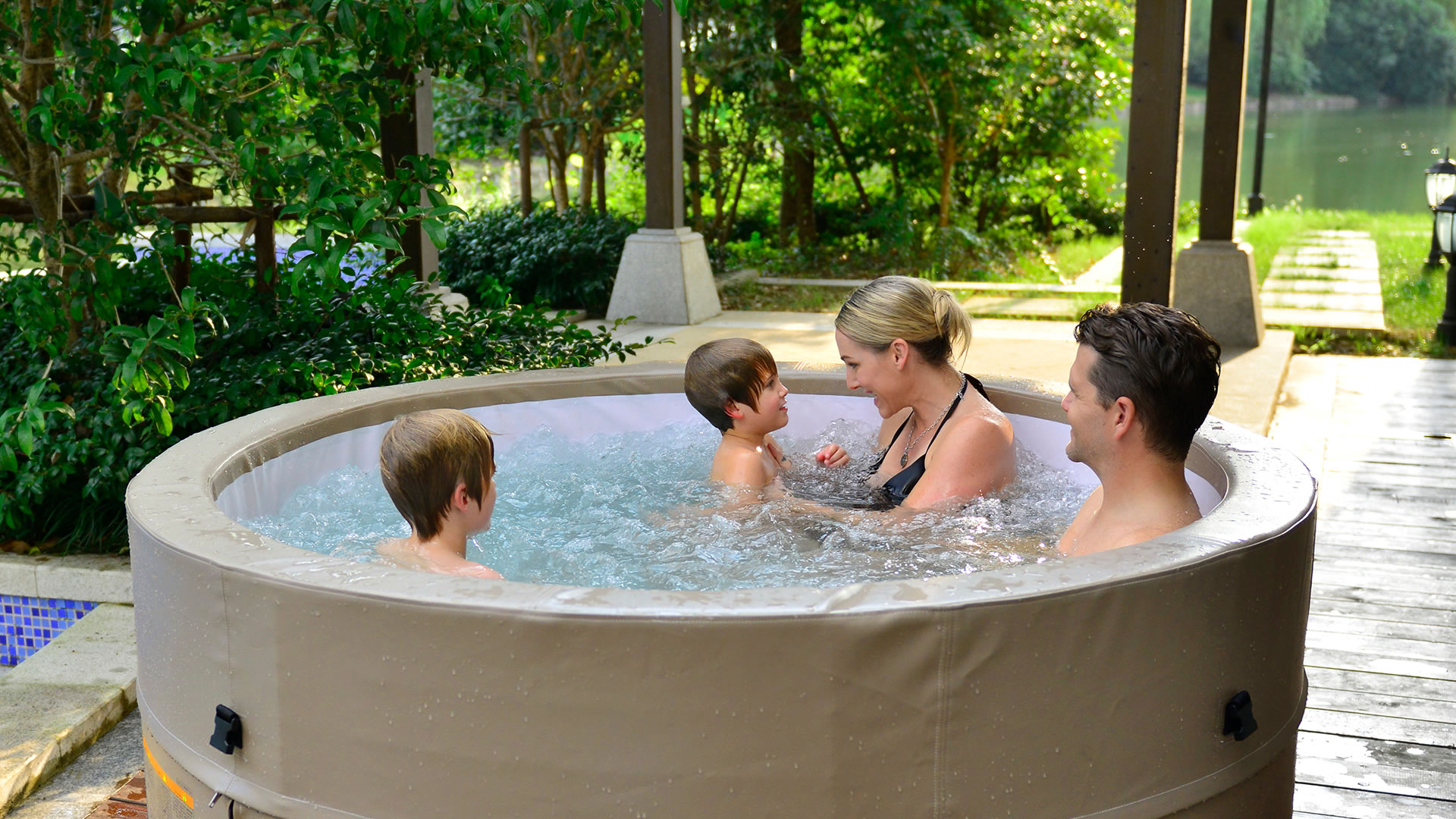 Cheap Hot Tubs Uk >> Inflatable Hot Tubs - the Best 2, 4, 6 and 8 Person Inflatable Hot Tubs!